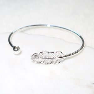 Jewelry - NEW Absolute Adorable 925 Silver Leaf Bangle